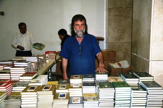 Mardin'de kitap fuarı açıldı