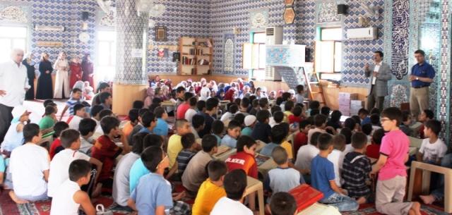 Kur'an kurslarında eğitim devam ediyor