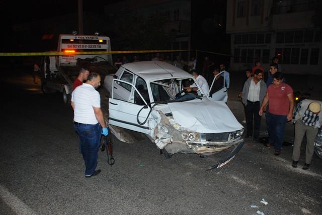 Polisten kaçarken kaza yapan arabadan silah çıktı