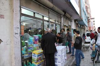 Nusaybin'de halk marketlere akın etti