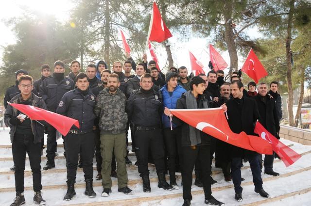 Mardinliler terör saldırılarını protesto etti
