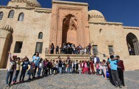 Öğrenciler Tarihi Mekanları Gezdi