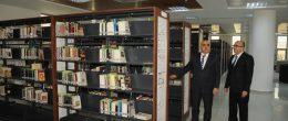 Üniversiteden tam donanımlı kütüphane