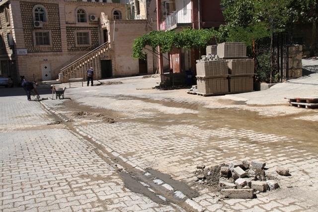 Kabala mahallesinin yol sorununu bitiriyor