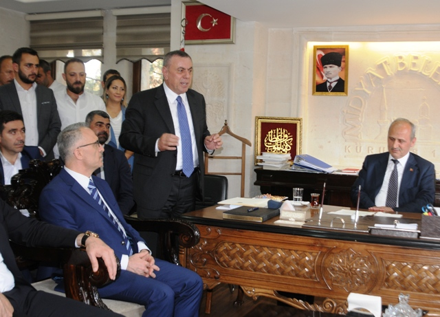 "Bakan Turhan, ""Vatandaşın mağduriyeti  söz konusu olamaz"""