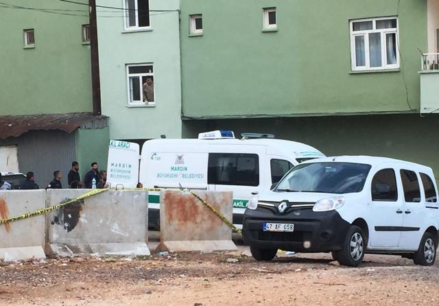 Polis memuru eşini ve kayınvalidesini silahla öldürdü