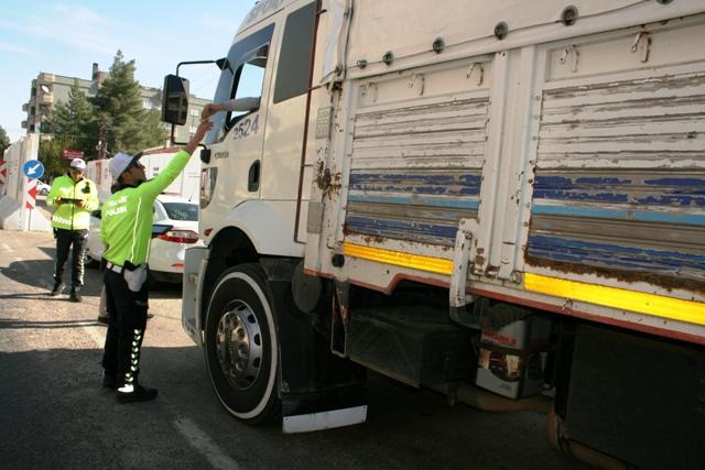 Ömerli'de hava destekli trafik denetimi