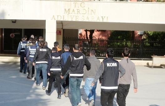 """FETÖ'nün """"askeri yapılanması""""na yönelik operasyonda 7 şüpheli tutuklandı"""