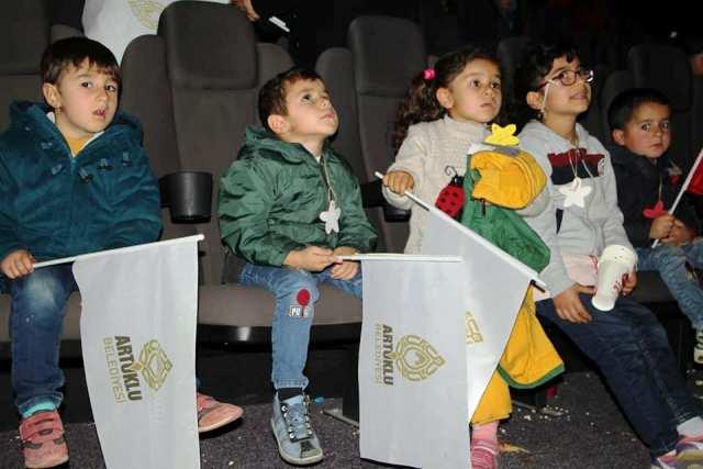 Çocuklara sinema jesti