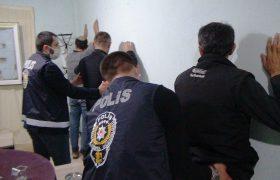 Kumar oynatılan boş dairede yakalanan 8 kişiye 39 bin 375 lira ceza