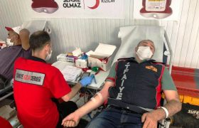 İtfaiye personelinden kan bağışı
