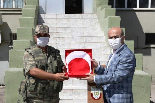 Vali Demirtaş'tan sınırda görevli Mehmetçiğe bayram ziyareti