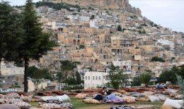 """Mardin'in taş evlerinde yıldızlı """"dam palas"""" keyfi"""