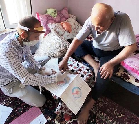 79 yaşındaki vatandaşa evinde hizmet