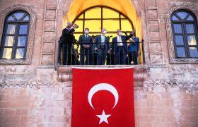 Bakanı Karaismailoğlu Mardin'in ilçelerinde incelemelerde bulundu