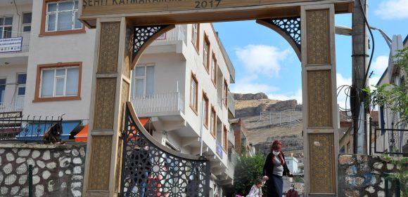 Derikliler şehit Kaymakam Muhammed Fatih Safitürk'ü gönüllerinde yaşatıyor