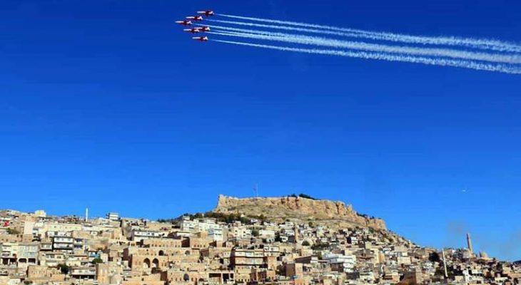 Türk yıldızları Mardin semalarında şov yaptı